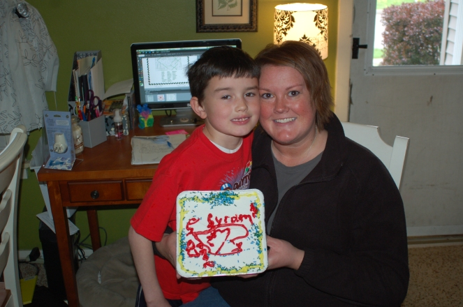 07 mom day cake 002